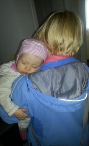 Babysicher Amelie sollte schlafen