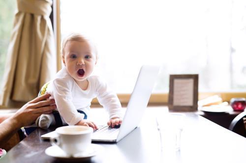 Babysicher Bilder und Geschichten