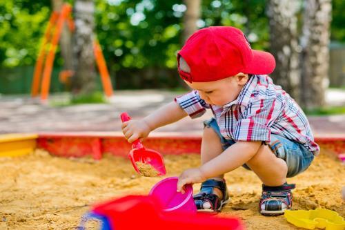 Babysicher Sandkasten
